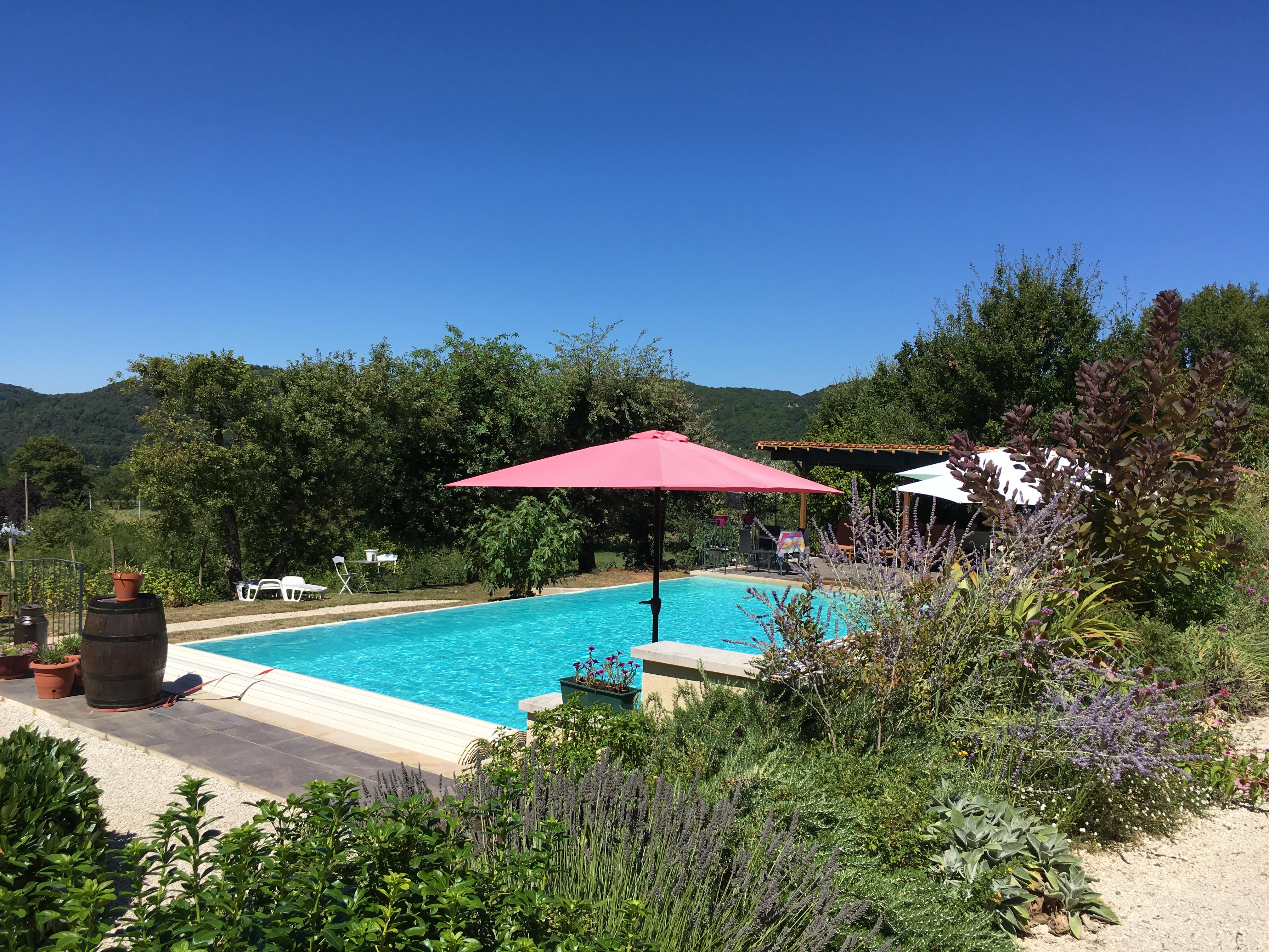 Groen op het erf l 39 ancien vignoble - Ontwikkeling rond het zwembad ...